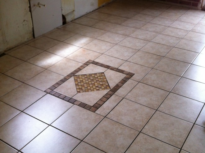 Kitchen tiling with inlay